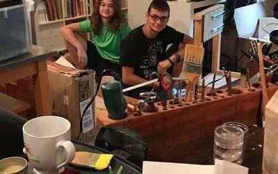 Yay for teenaged studio slaves – uh, assistants! #studioscenes